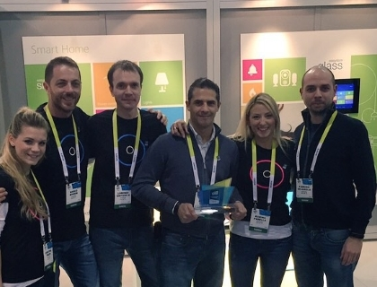 Il team di Easydom. Al centro, con il premio in mano, Sergio Tucci