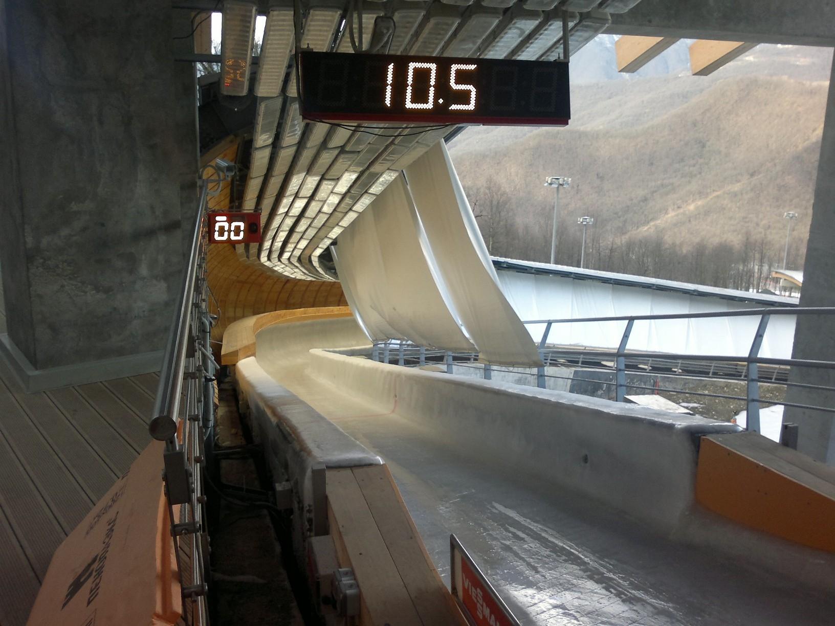 L'impianto di tende protettive della Solaris sulla pista di bob delle Olimpiadi di Sochi
