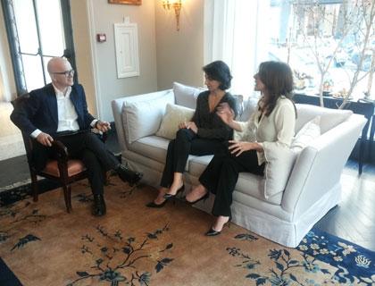 Giovanni Iozzia con le co-founder di Drexcode, Valeria Cambrea e Federica Storace