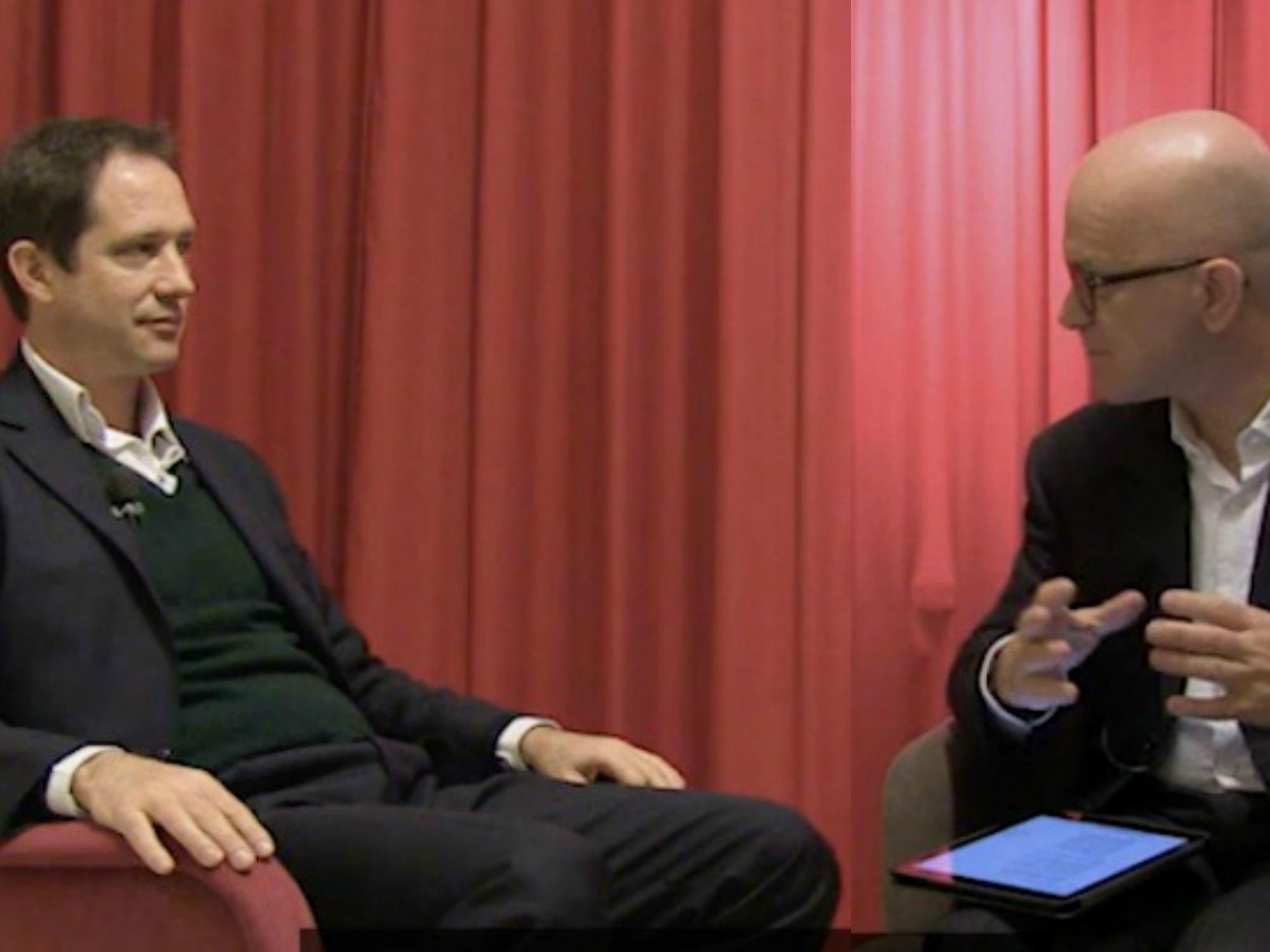 Enrico Mercadante di Cisco con Giovanni Iozzia durante la registrazione di EconomyUp