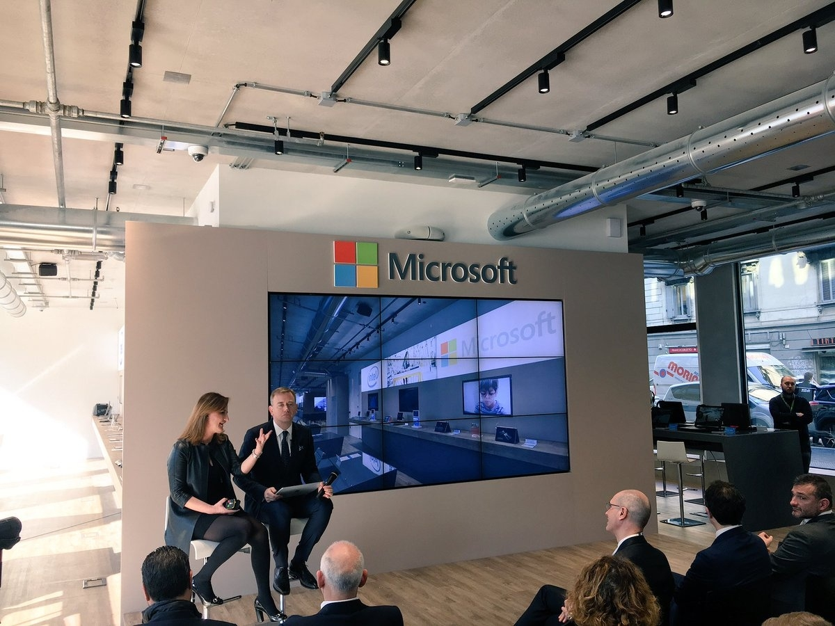 Un momento della presentazione della Microsoft House a Milano