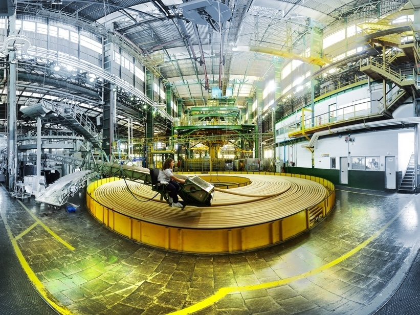 La fabbrica di cavi sottomarini di Prysmian Group ad Arco Felice, Napoli