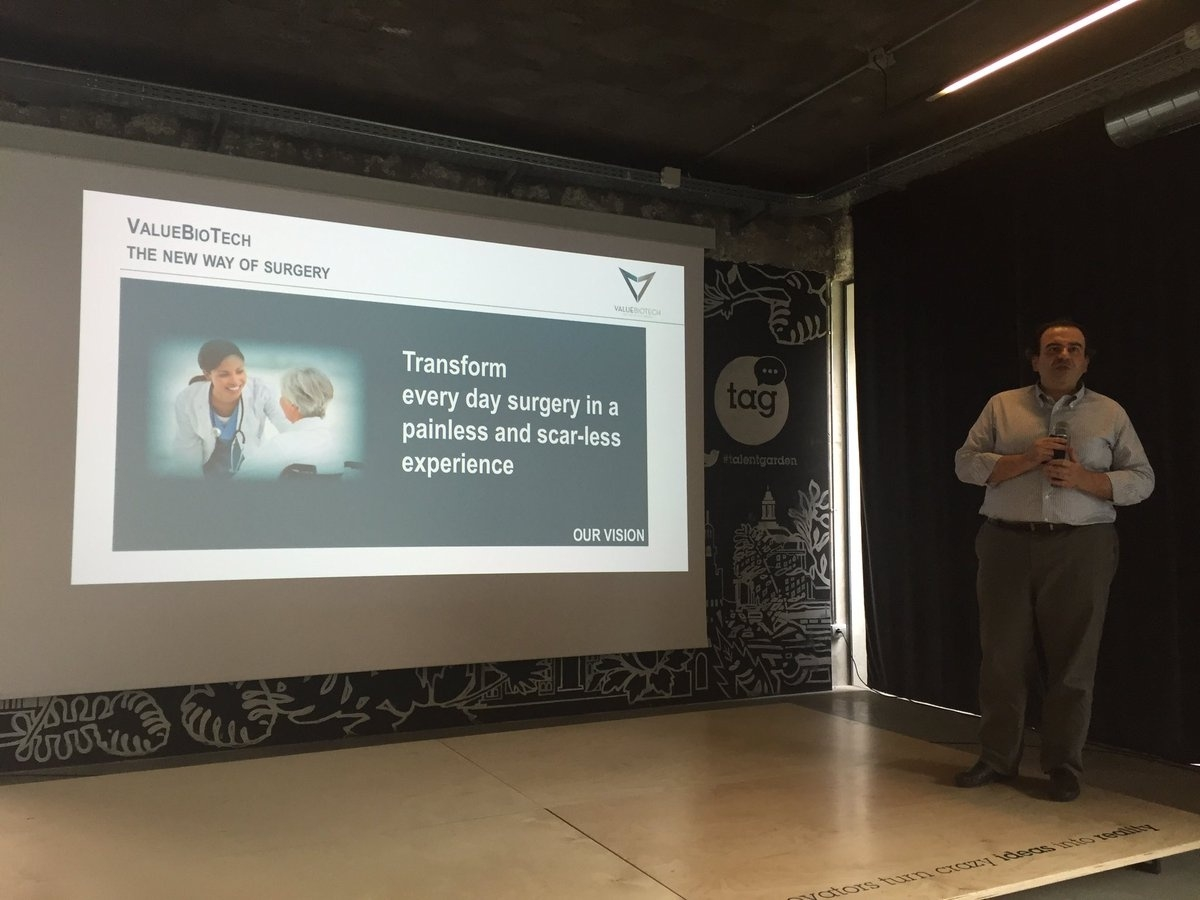 Antonello Forgione, fondatore di ValueBiotech, durante una presentazione