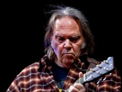Il musicista 68enne Neil Young, che ha ottenuto un mega-finanziamento dalla Rete per il progetto Pono Player