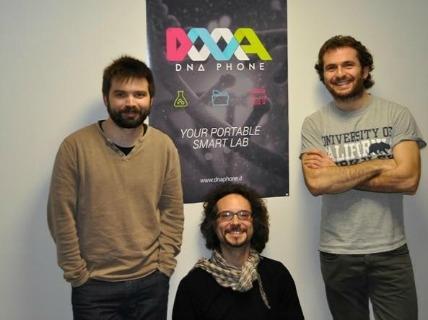 Alessandro Candiani, Michele Sozzi e Alessandro Tonelli, fondatori di DNAPhone