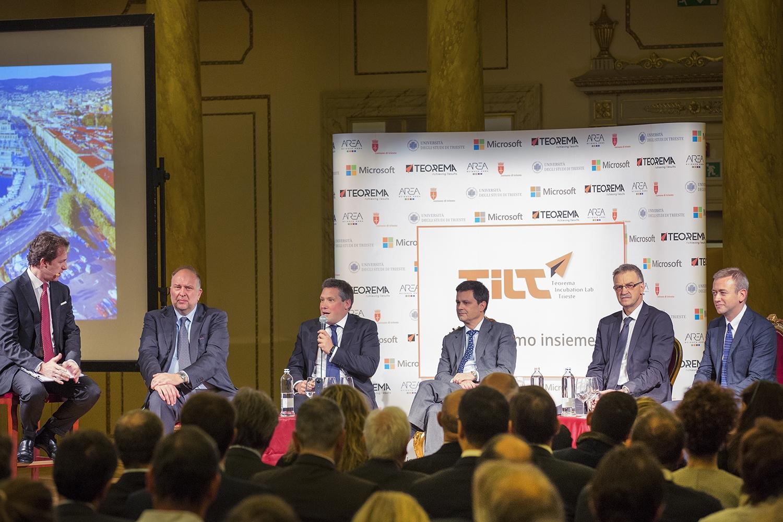 Un momento della presentazione del progetto. Con il microfono, Michele Balbi, Presidente e Fondatore di Teorema. Alla sua destra, il Direttore Marketing Fabrizio Albergati