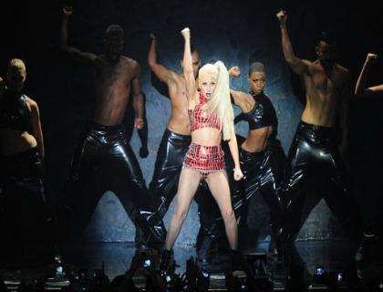 L'artista Lady Gaga durante un concerto