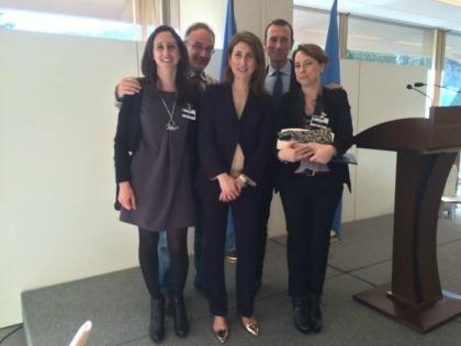 Da destra, in prima fila, Enrica Arena di Orange Fiber, Teresa (Commissione Economica per l'Europa dell'Onu), Camilla Pandolfi di JellyFish Barge. Sempre da destra, dietro, Mattia Corbetta (Mise) e Stefano Mancuso (JellyFish Barge)
