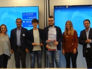 Un momento della premiazione con  Luca Lepore, responsabile delle iniziative in area education del piano Digitaliani  di Cisco
