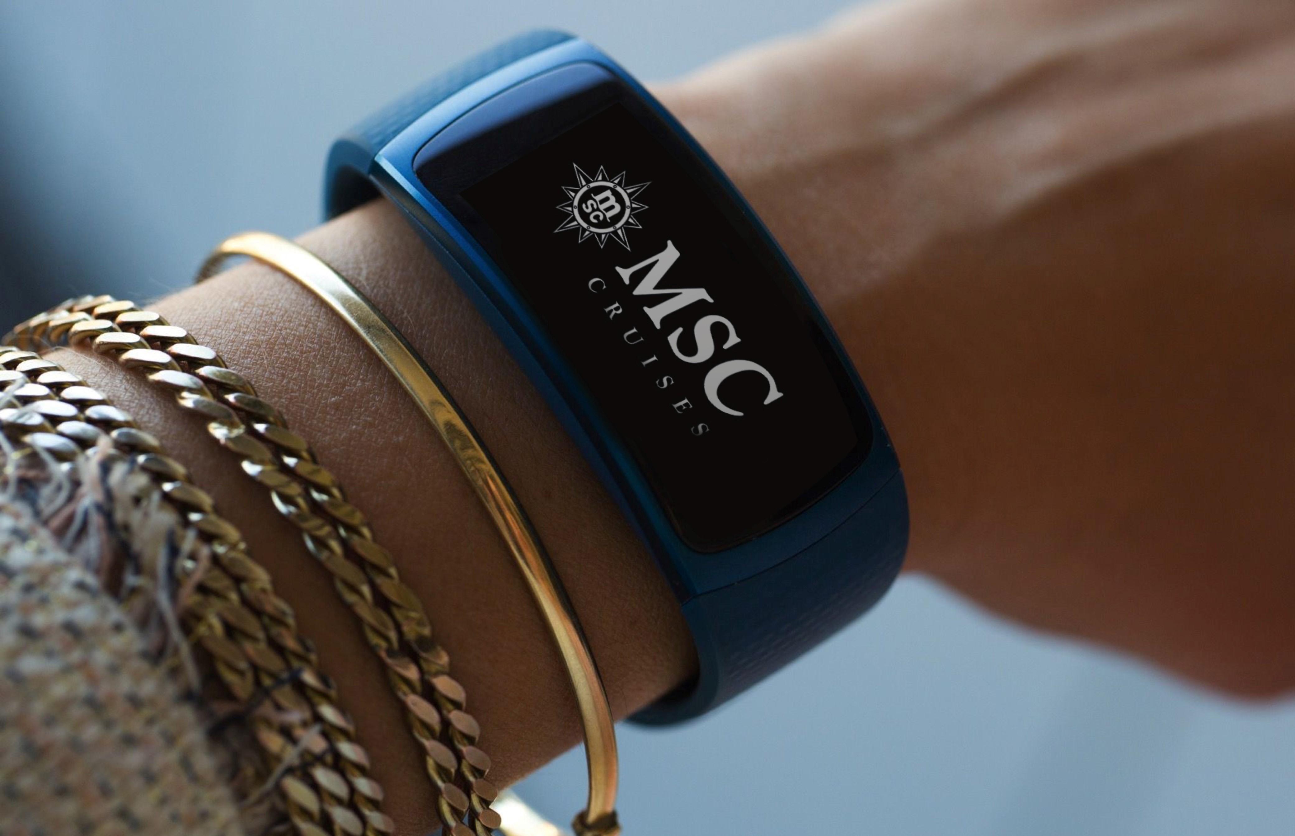 Il braccialetto smart in dotazione ai passeggeri