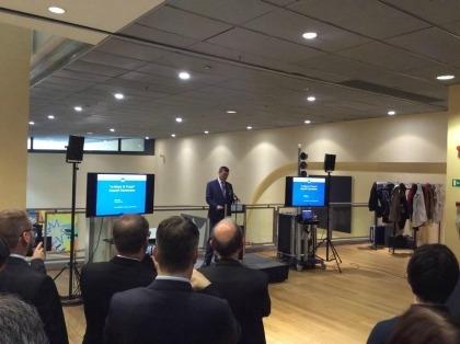 Il Commissario Ue al Mercato Unico Digitale, Andrus Ansip, estone, interviene al recente evento a Bruxelles sull'identificazione per via elettronica