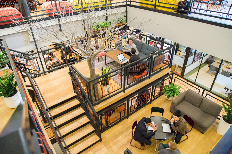 La scala modulare nella sede di Wework