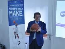 Enzo Bianco ha raccolto a Catania il pallone da Basket di Working Capital