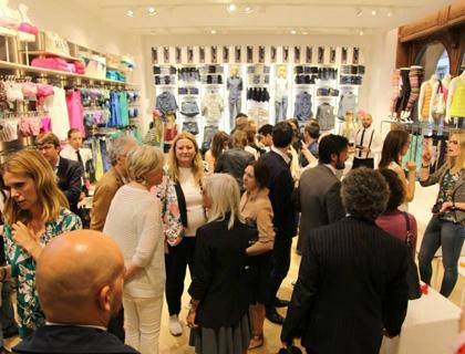 Il nuovo store OVS in via Dante a Milano