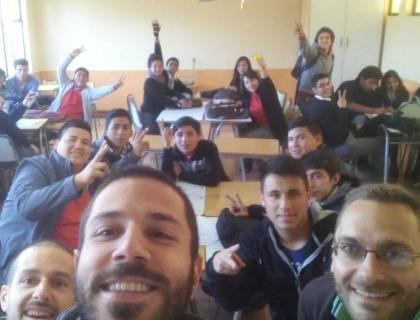 Il team di Lectios a un workshop con un gruppo di giovani studenti cileni