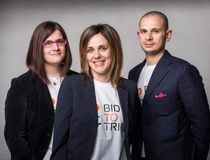 I fondatori di Bidtotrip: Sara Brunelli (al centro), Chiara Fusaroli e Augusto Grandi