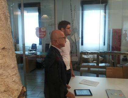 Davide Dattoli con Giovanni Iozzia durante la registrazione della prima puntata della nuova serie di EconomyUp