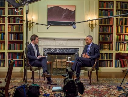 Jake Horowitz di Mic.com mentre intervista Barack Obama