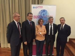 Il ministro della Salute Beatrice Lorenzin alla presentazione di BioUpper. Accanto, a dx nella foto, Stefano Mainetti, consigliere delegato Polihub, a sx Guido Guidi (Novartis)