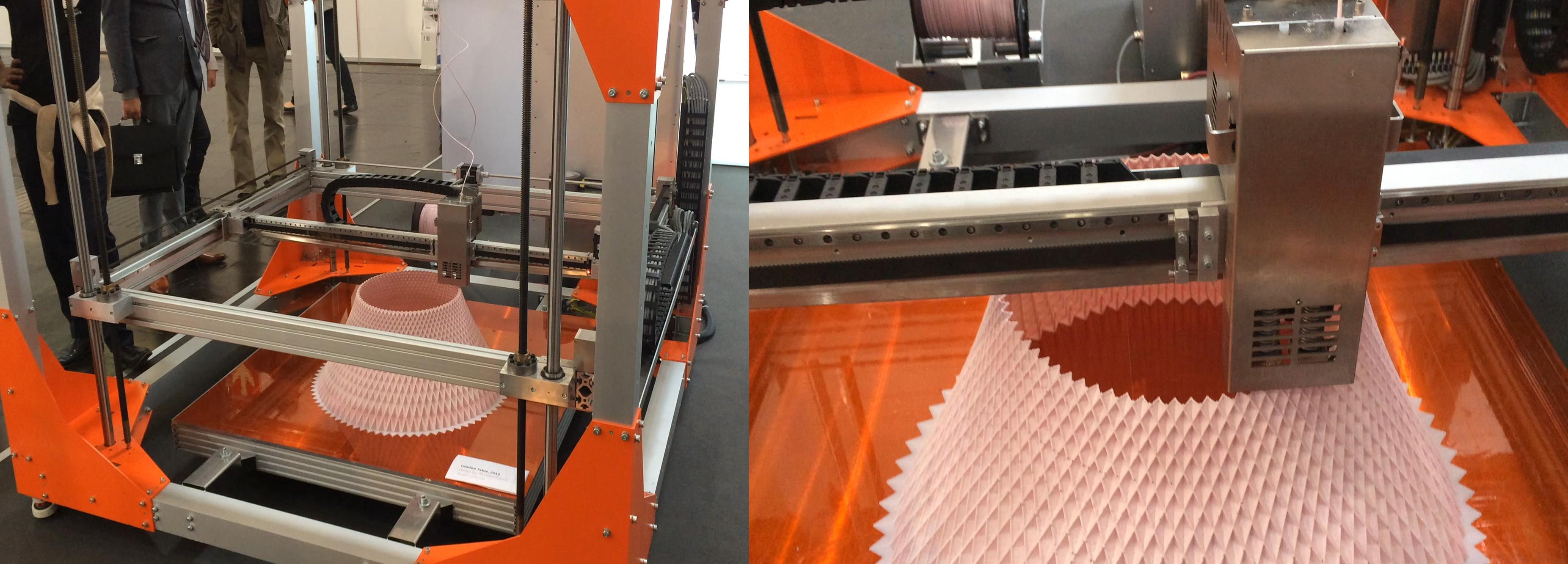 Igus azienda italiana specializzata in componenti per l'automazione, propone una linea di componenti meccanici e  motori a passo per produrre o costruire in proprio stampanti 3D, frese CNC, ecc.