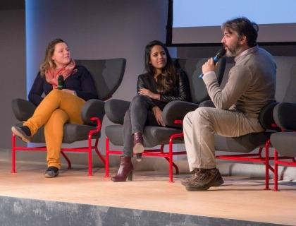 Techfugees Italy: prima da sinistra l'organizzatrice Benedetta Arese Lucini, Krishma Nayee di what3words.com e Raffaele Poli, CMO di mailcoding