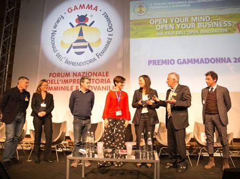 Giulia Baccarin riceve il Premio GammaDonna