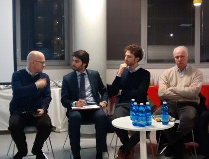 Da sinistra: Giovanni Iozzia (direttore di EconomyUp), Lorenzo Colasanti (dipartimento di ingegneria gestionale del Politecnico di Milano), Luca Seletto (strategic planning di Enel), Federico Barilli (segretario di Italia Startup)