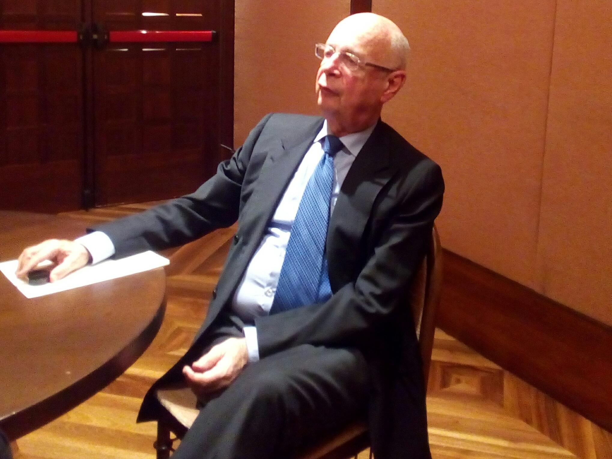 Klaus Schwab durante l'intervista rilasciata a Milano a EconomyUp